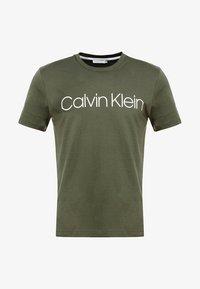 Calvin Klein - FRONT LOGO - T-shirt med print - green - 3