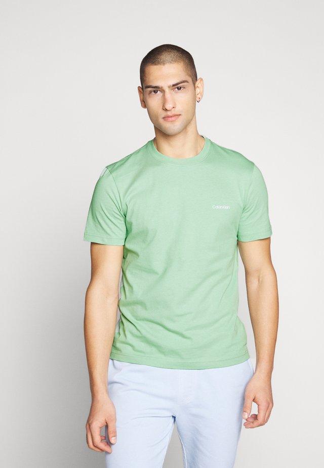 CHEST LOGO - T-shirt basique - green