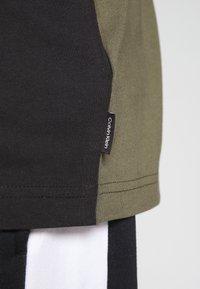 Calvin Klein - Print T-shirt - black - 5