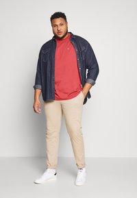 Calvin Klein - LOGO - Basic T-shirt - red - 1