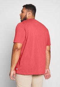 Calvin Klein - LOGO - Basic T-shirt - red - 2