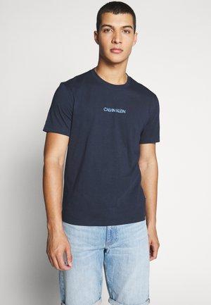 SHADOW LOGO  - T-shirt z nadrukiem - blue