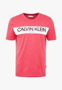 Calvin Klein - STRIPE LOGO - T-shirt print - red - 4
