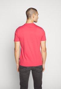 Calvin Klein - STRIPE LOGO - T-shirt print - red - 2