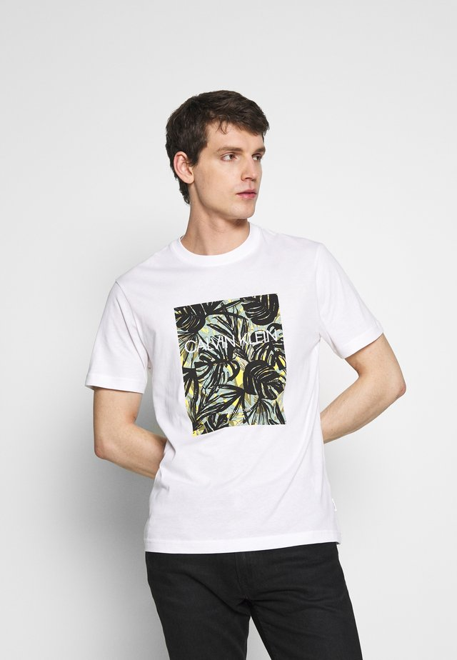 LEAVES BOX LOGO - T-Shirt print - white