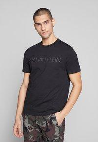 Calvin Klein - 2 TONE LOGO - Print T-shirt - black - 0