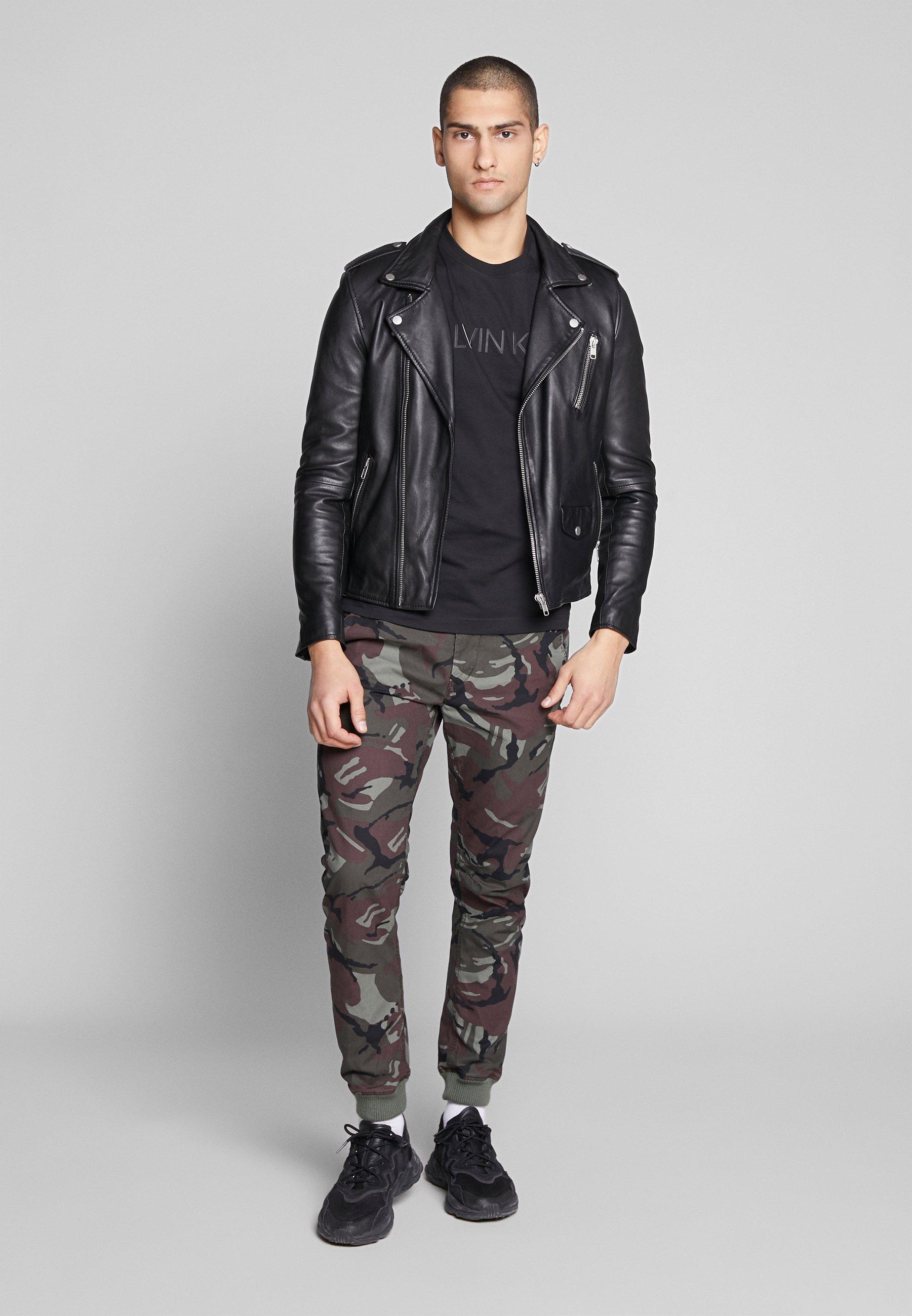 Calvin Klein 2 TONE LOGO - T-shirt z nadrukiem - black