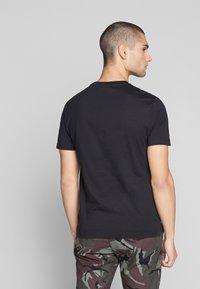 Calvin Klein - 2 TONE LOGO - Print T-shirt - black - 2