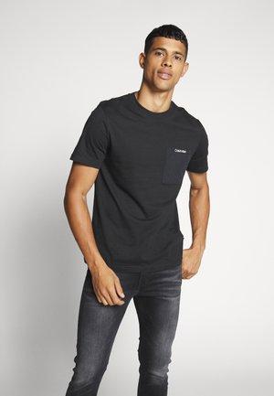 POCKET - T-shirt con stampa - black