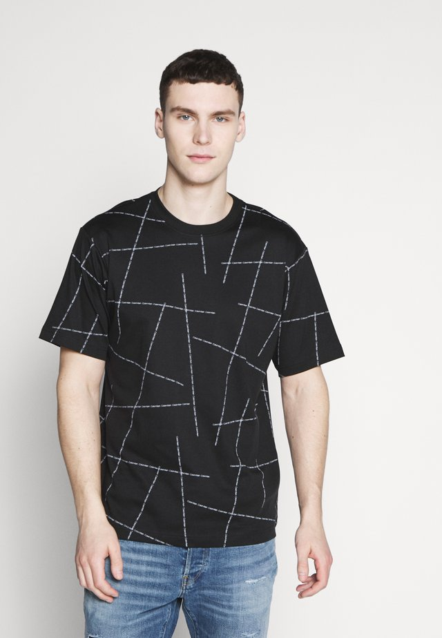BROKEN LOGO RELAX - T-shirt con stampa - black