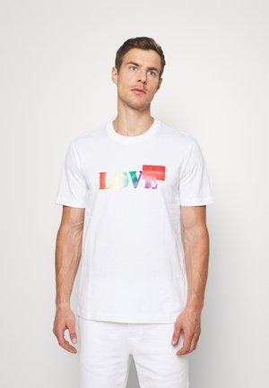 PRIDE LOVE LOGO - T-shirt con stampa - white