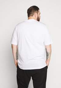 Calvin Klein - PRIDE LOGO - Print T-shirt - white - 2