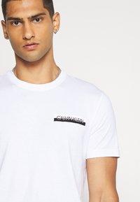 Calvin Klein - CHEST BOX LOGO - Print T-shirt - white - 5