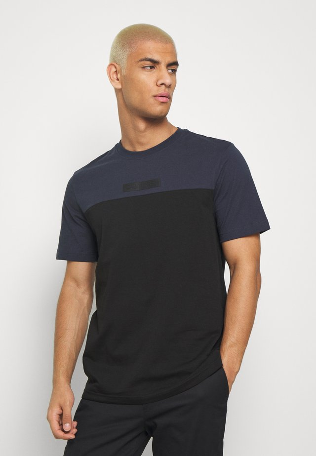 COLOR BLOCK - T-shirt imprimé - dark blue, black
