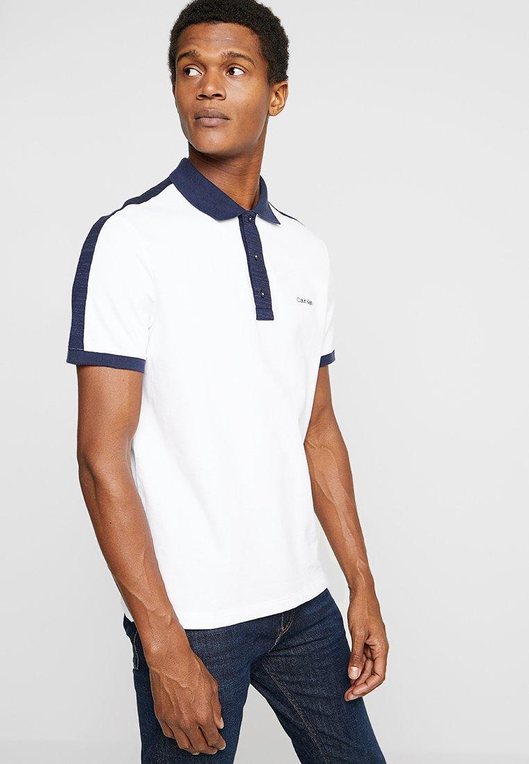 Calvin Klein - CONTRAST COLLAR - Polo shirt - white