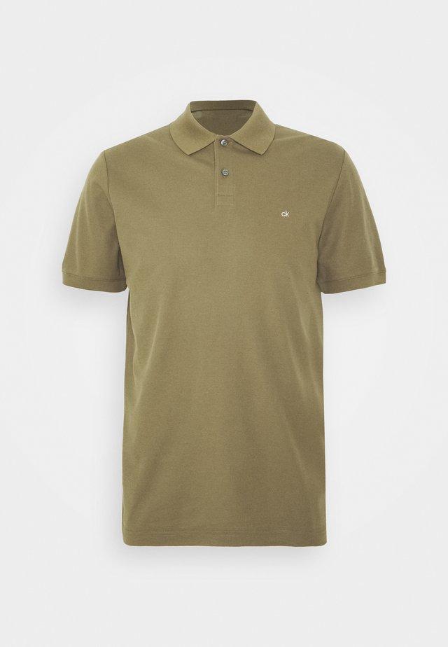 REFINED LOGO SLIM - Poloshirt - green