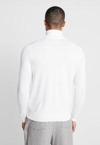 Calvin Klein Tailored - SUPERIOR TURTLE NECK - Svetr - white - 2