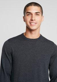 Calvin Klein Tailored - SUPERIOR CREW NECK  - Stickad tröja - grey - 3