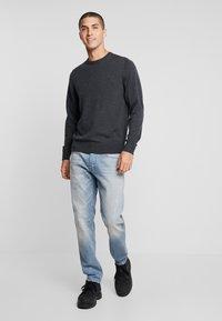 Calvin Klein Tailored - SUPERIOR CREW NECK  - Stickad tröja - grey - 1