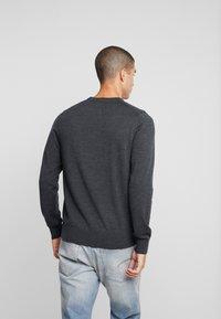 Calvin Klein Tailored - SUPERIOR CREW NECK  - Stickad tröja - grey - 2
