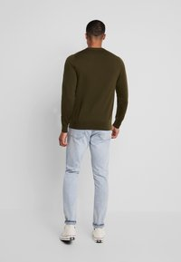 Calvin Klein Tailored - SUPERIOR CREW NECK  - Svetr - green - 2