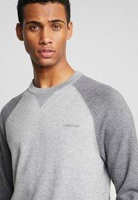 Calvin Klein - TONAL C-NECK - Neule - grey - 4