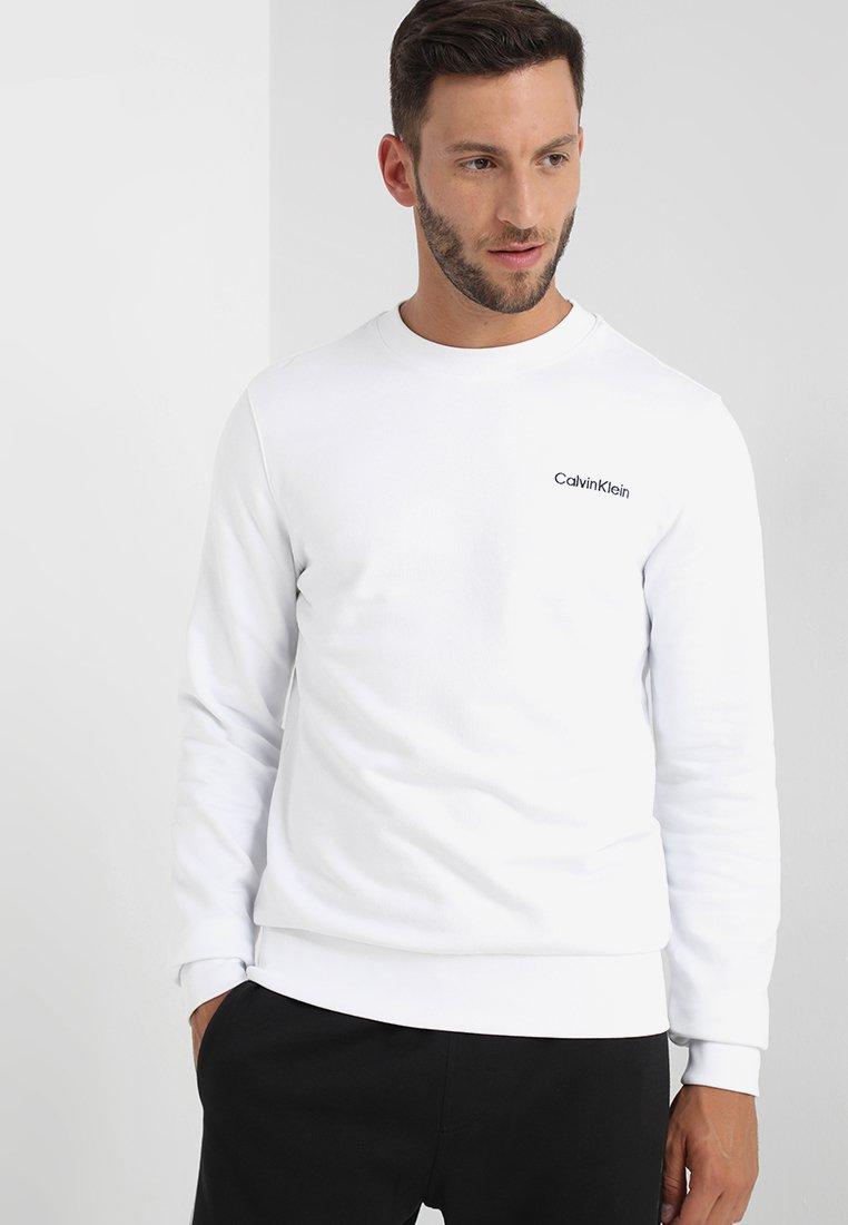 Calvin Klein - CHEST EMBROIDERY - Sudadera - white