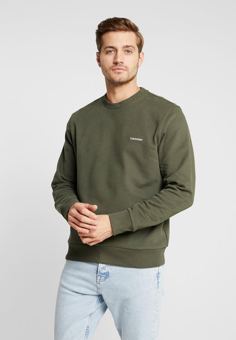Calvin Klein - CHEST EMBROIDERY - Sweatshirt - green