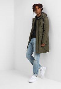Calvin Klein - CHEST EMBROIDERY - Collegepaita - black - 1