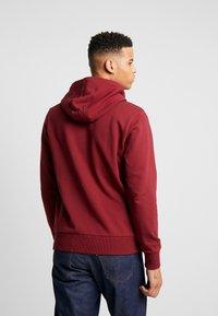 Calvin Klein - LOGO HOODIE - Sweat à capuche - red - 2