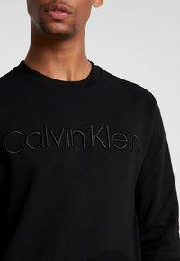Calvin Klein - ATHLEISURE LOGO  - Sweatshirt - black - 5