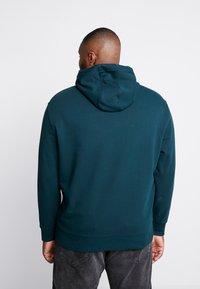 Calvin Klein - LOGO HOODIE - Hoodie - green - 2
