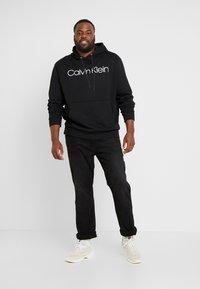 Calvin Klein - LOGO HOODIE - Hoodie - black - 1