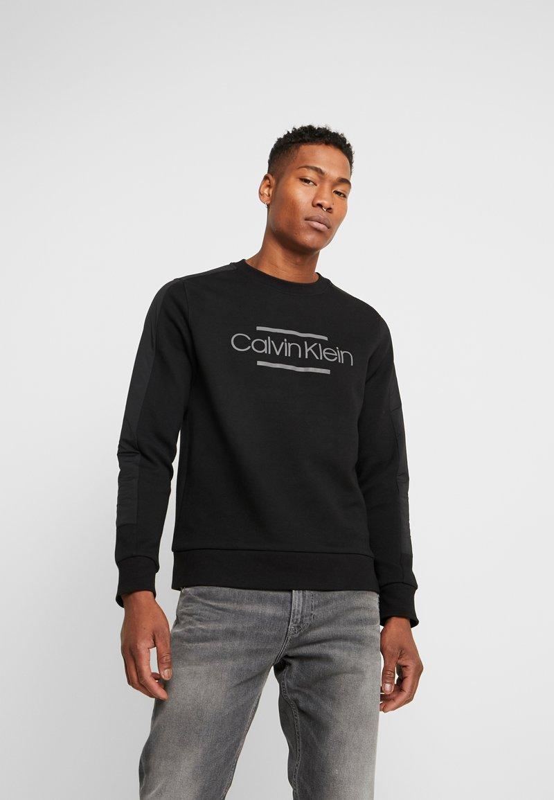 Calvin Klein - MIX MEDIA LOGO  - Sweatshirt - black