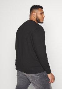 Calvin Klein - TONE LOGO - Sweatshirt - black - 2