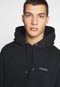 Calvin Klein - LOGO EMBROIDERY HOODIE - Sweat à capuche - black - 4