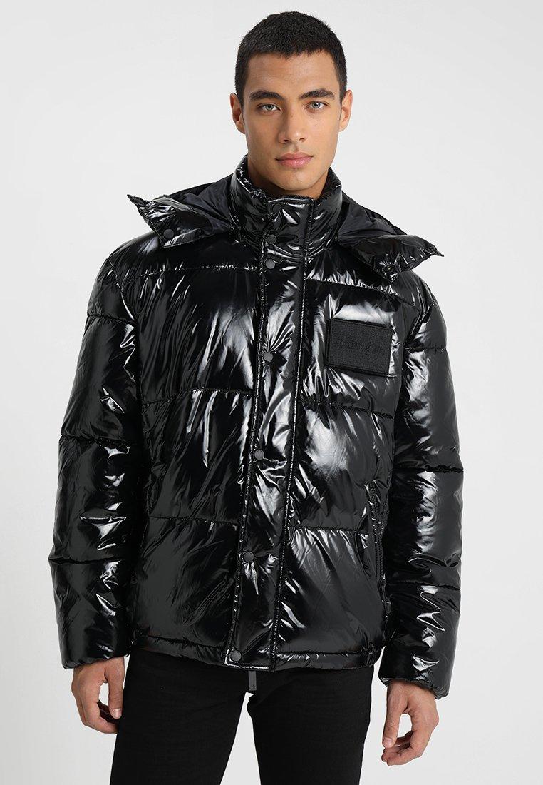 Calvin Klein - LIQUID SHINE WADDED JACKET - Kurtka zimowa - perfect black