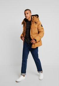 Calvin Klein - MID LENGTH - Winterjacke - gold - 1