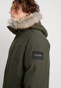 Calvin Klein - LONG LENGTH PREMIUM  - Veste d'hiver - green - 4