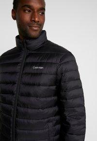 Calvin Klein - LIGHT LINER - Chaqueta de entretiempo - black - 5