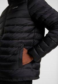 Calvin Klein - LIGHT LINER - Chaqueta de entretiempo - black - 3