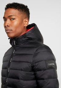 Calvin Klein - HOODED LINER - Chaqueta de invierno - black - 3