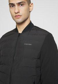Calvin Klein - THERMAL QUILTED BLOUSON - Bomberjacks - black - 4