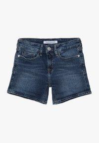 Calvin Klein Jeans - SLIM SHORT  - Denim shorts - denim - 2