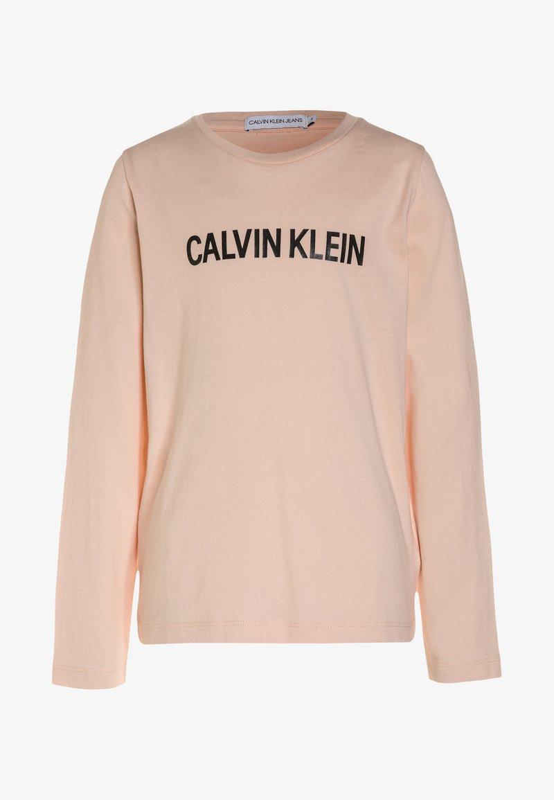 Calvin Klein Jeans - LOGO REGULAR FIT - Camiseta de manga larga - peachy keen