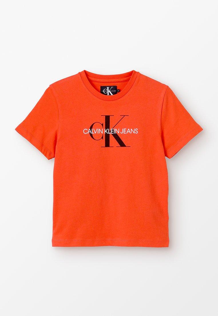 Calvin Klein Jeans - MONOGRAM LOGO REGULAR TEE - Printtipaita - red