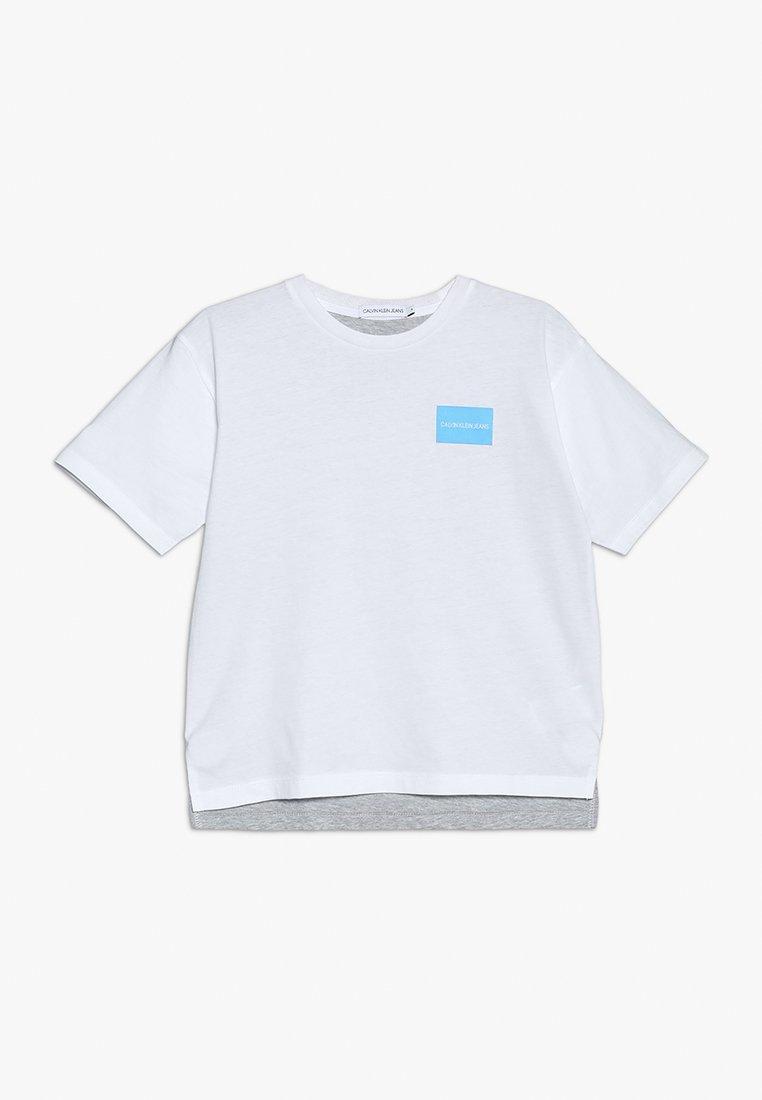 Calvin Klein Jeans - TWO COLORS LONGER TEE - T-shirt imprimé - white