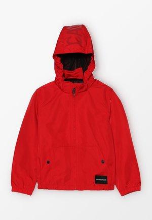 SPRING LIGHT HOOD JACKET - Lehká bunda - red