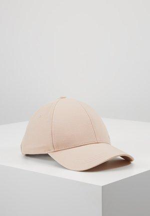Czapka z daszkiem - pink