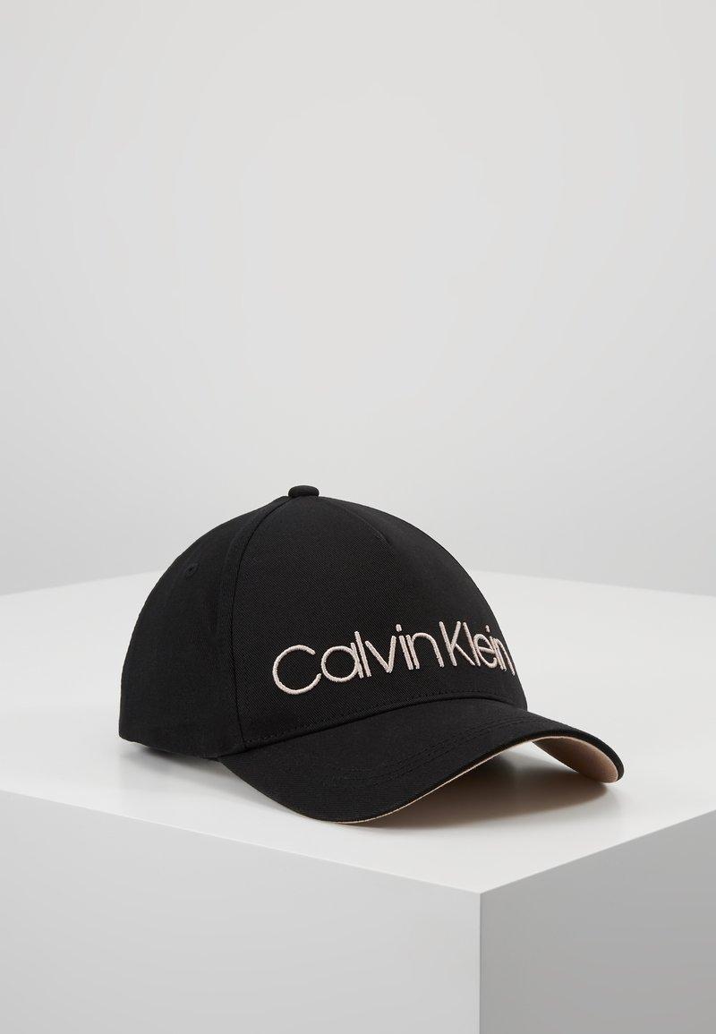 Calvin Klein - Czapka z daszkiem - black